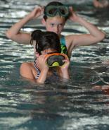 Schwimmkurse für krebskranke Kinder
