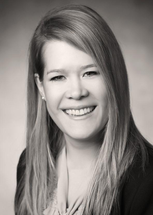 IST-Dozent stellt Studentin als Marketingleiterin ein
