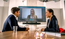 Wie finden Sie den passenden Arbeitgeber? Unsere digitale Sprechstunde rund um ein duales Studium hilft.
