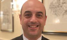 IST-Absolvent Emre Sinanoglu ist Hoteldirektor in Essen.