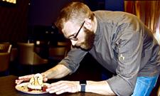 Sergej Makhno ist Koch und Ernährungscoach.